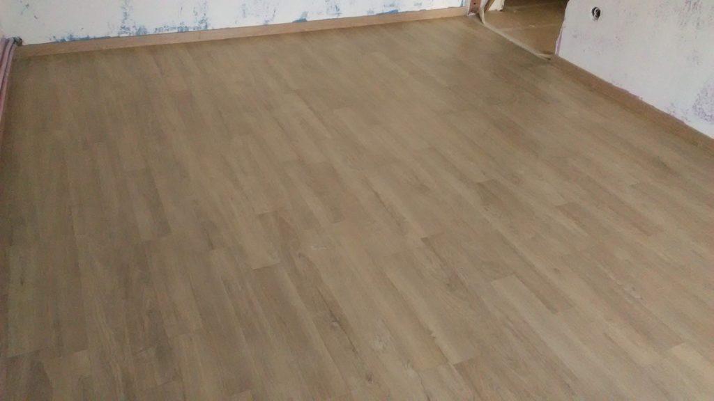 Laminate Πάτωμα σε οικία στους Αμπελόκηπους Θεσσαλονίκης