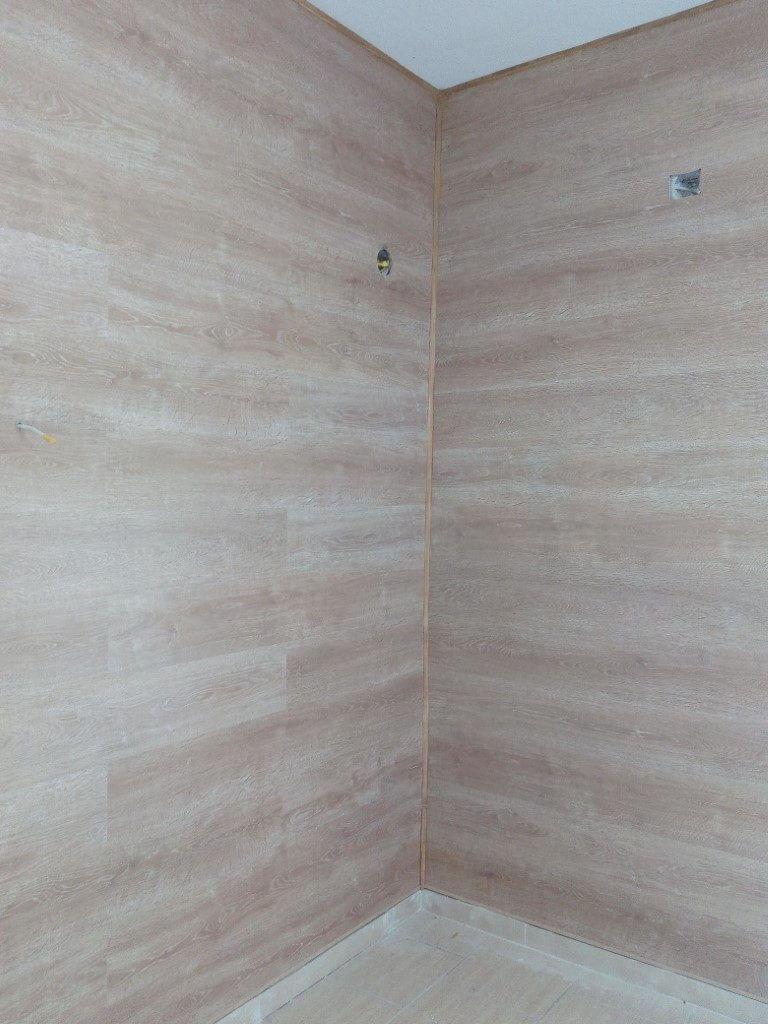 Επένδυση τοίχου με δάπεδο laminate 1