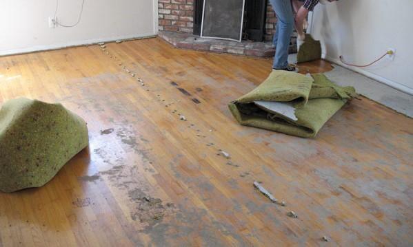 αποκάλυψη παλαιού ξύλινου πατώματος