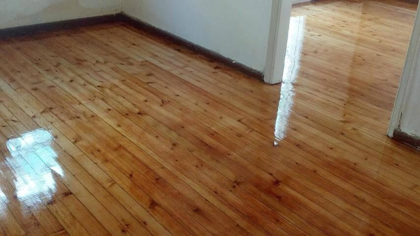 πάτωμα σαν καινούργιο μετά την επεξεργασία του