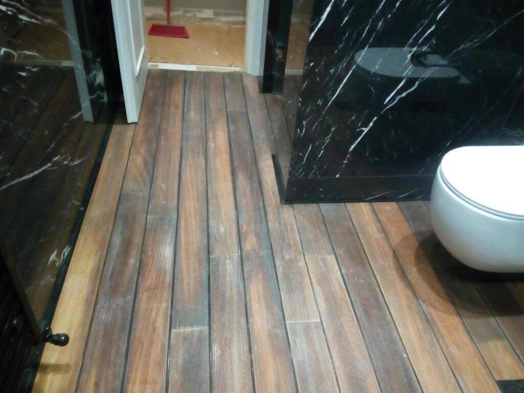 επένδυση δαπέδου μπάνιου με deck
