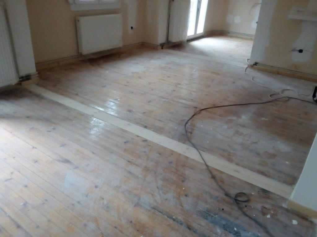 Ανανέωση ξύλινου πατώματος σε ανακαίνιση κατοικίας στη θεσσαλονίκη